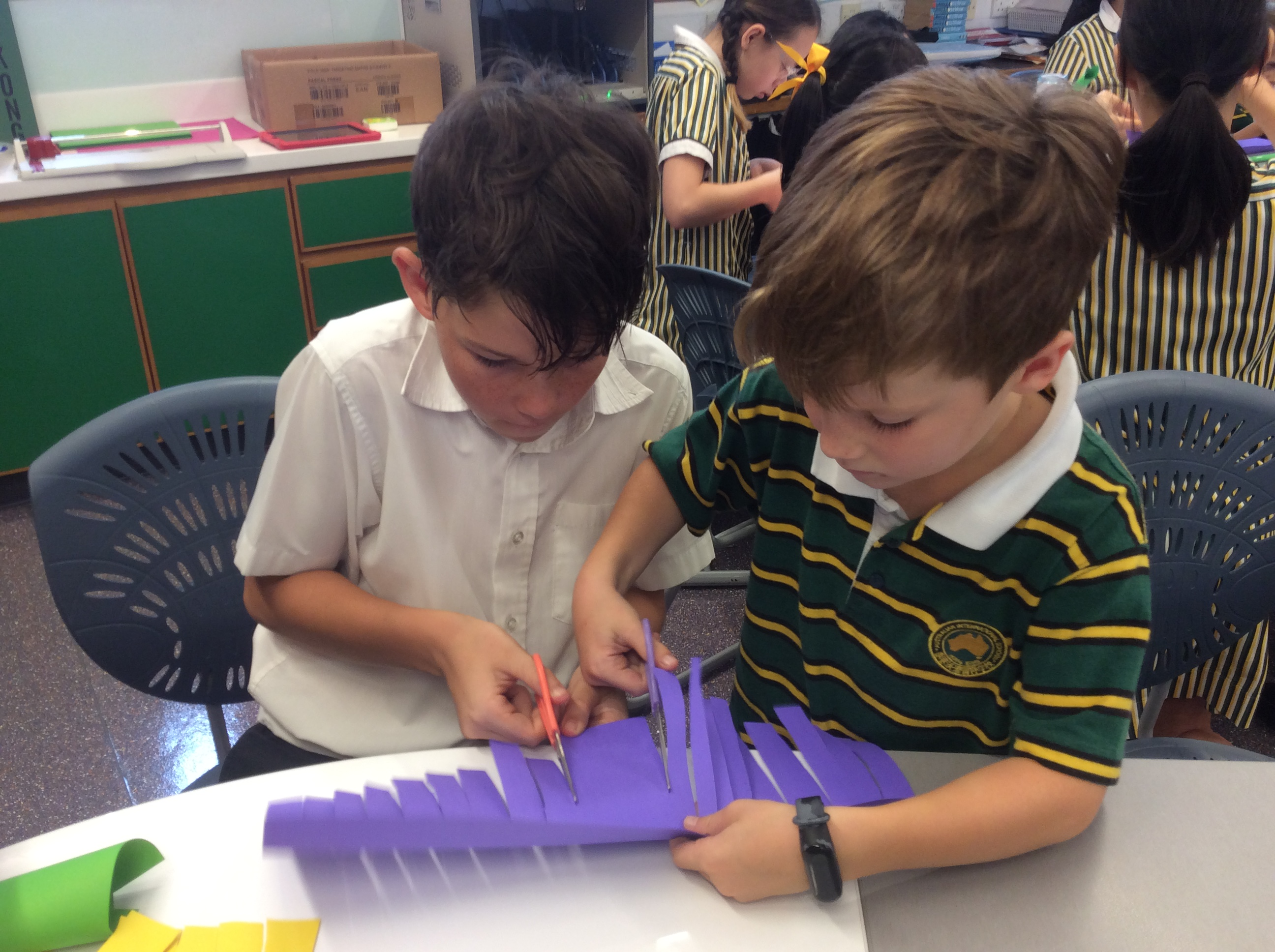 Paper flowers with Year 6 buddies(2)